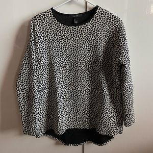 Forever 21 Printed Top - 3/4 Sleeve Drop Tail Back